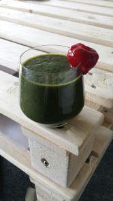 Groene smoothie met aardbei