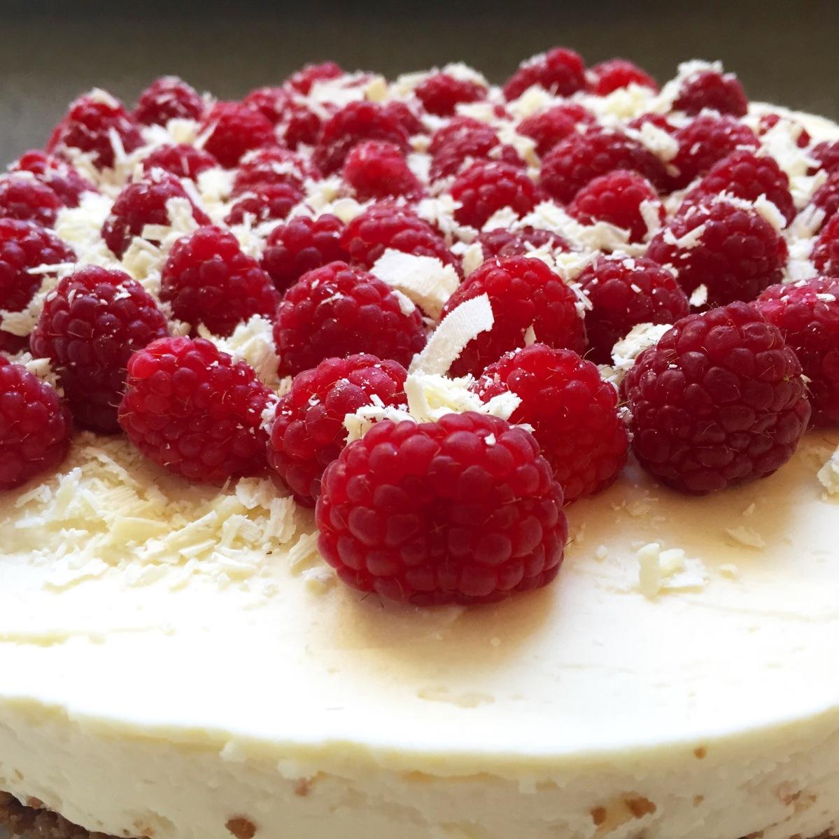 Cheesecake van witte chocolade en frambozen
